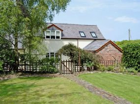 Dog friendly Cottage Chester | Woodhouse Cottage Cheshire